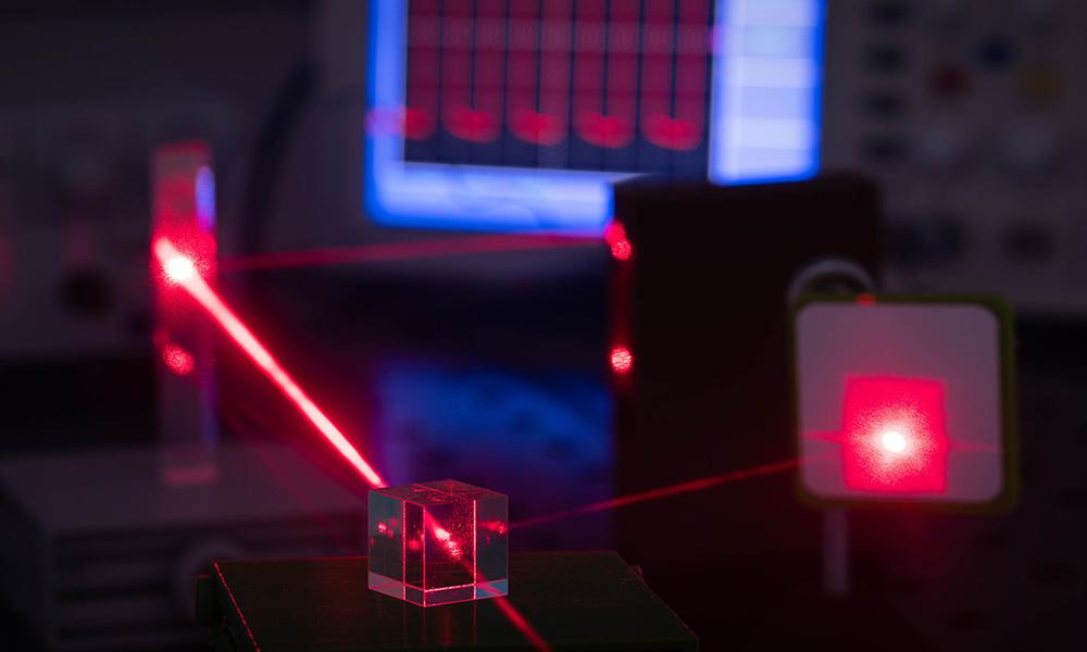 Polycaptil FCE - Électronique, optoélectronique, mécatronique - études capteurs optoélectronique systèmes à LED et à fibres optiques